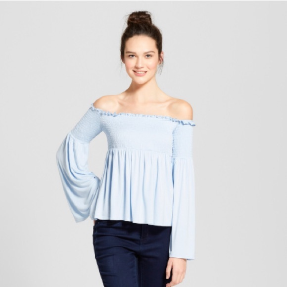 f8b9debfd6be57 Mossimo smocked off the shoulder top. M 5aba8c9a3afbbd7b8400fd97